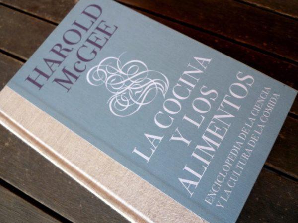 Los 10 mejores libros de cocina de la historia for Resumen del libro quimica en la cocina