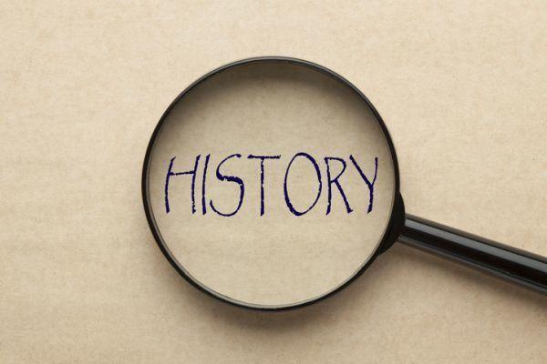 elementos-de-la-narracion-history-lupa-istock